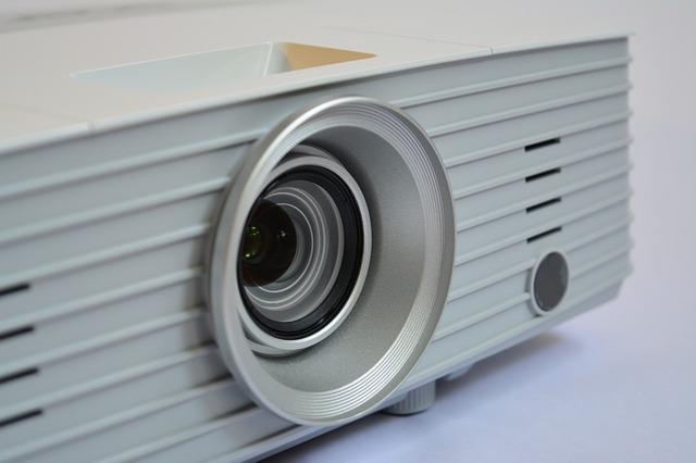 Vyberáme projektor – Recenzie 10 najlepších